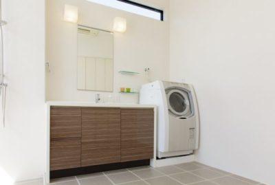 洗面所の洗濯機