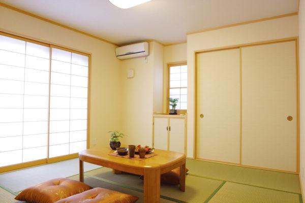 6畳の畳の部屋